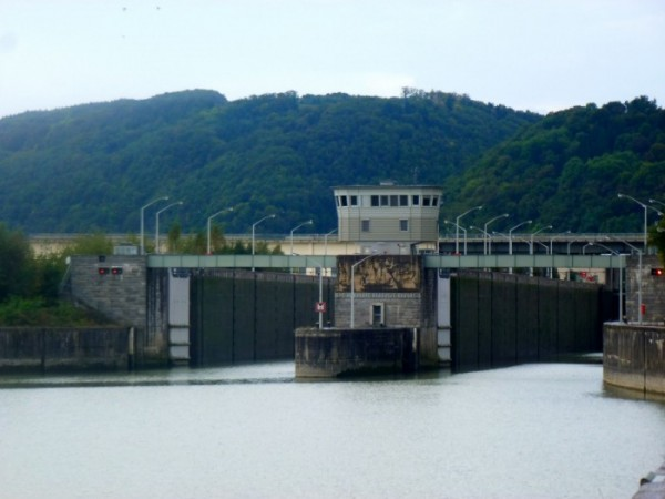 Barrage d'Ybbs:Donau- Perseuburg_écluses