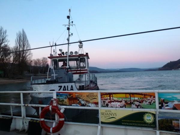 Danube_Hongrie_Visegrad_Le bac du soir