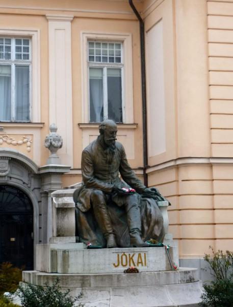 Statue de Mór Jókai à Komarno