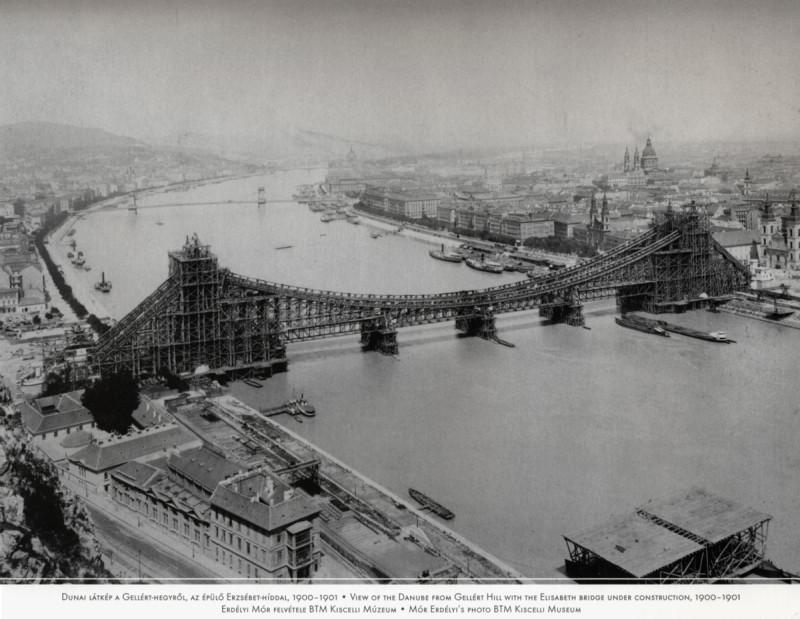 Construction du pont Erzsébet (Élisabeth) de Budapest