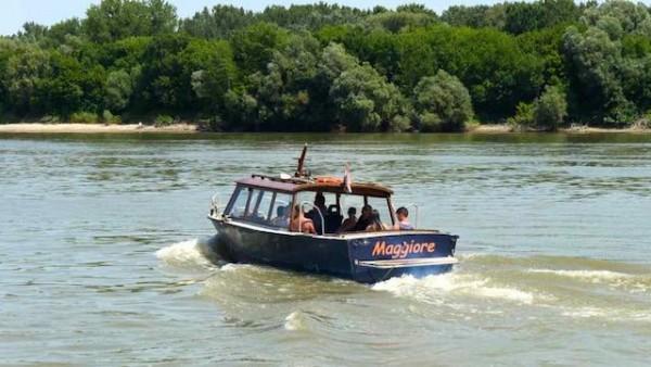 Mohacs_3_bateau_taxiOK