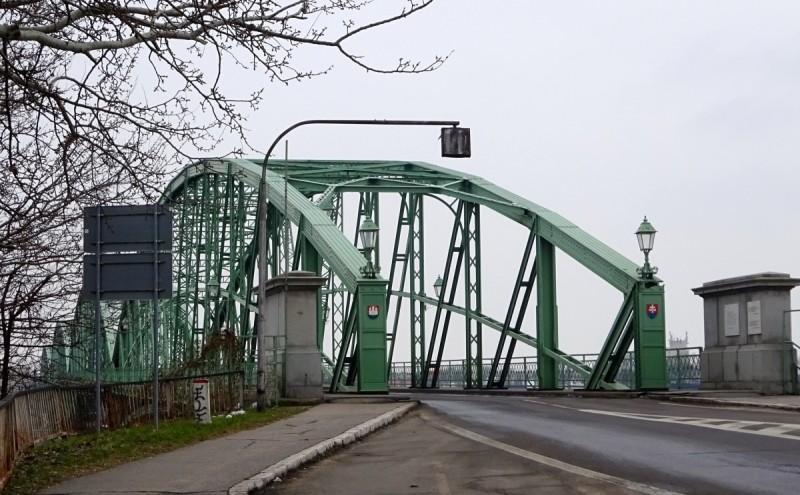 Pont de Komarom