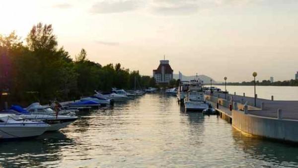 Vienne, port nautique